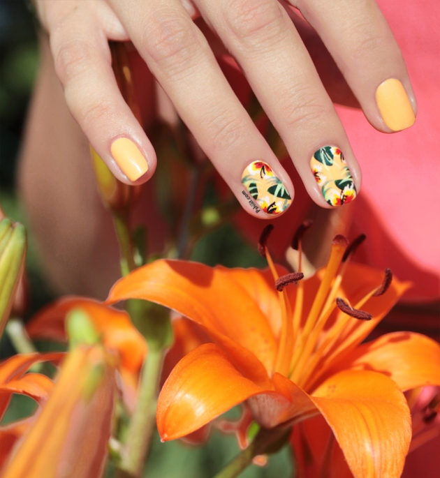 tropical-nails-totes-by-picture-polish